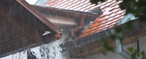 overflowing gutters and incorrect fall - roof gutter issue